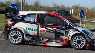 Así ha quedado el Toyota de Ogier después del incidente.