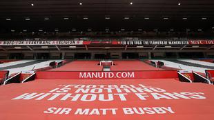 Pancarta de protesta en Old Trafford contra la Superliga.