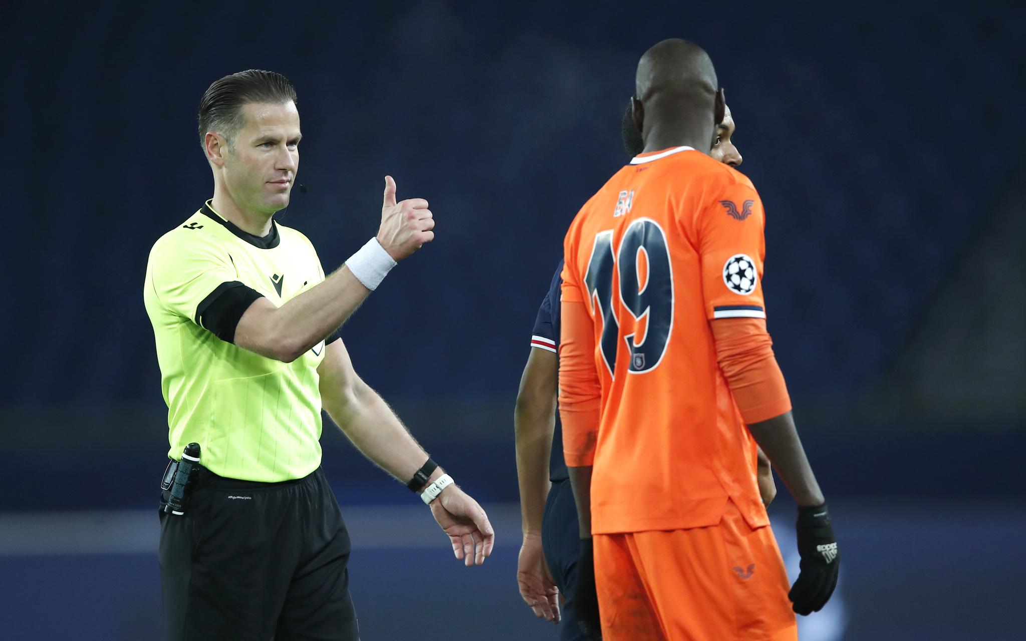 Danny Makkelie gives a thumbs up to Basaksehir's Demba Ba