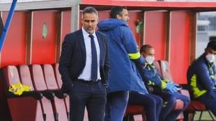 """El Almería echa a José Gomes: """"No lo entiendo, somos terceros"""""""