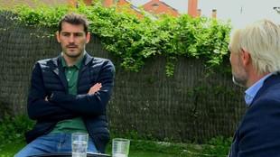 Casillas, en un momento de la entrevista con Cañizares.
