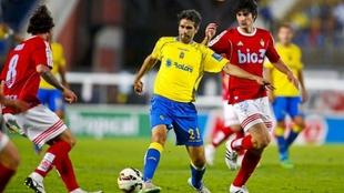 Valerón, con el balón, en el partido ante la Ponferradina en la...