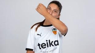 Cristina Cubedo se besa el antebrazo cada vez que marca gol.