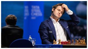 Magnus Carlsen durante una partida en el 83º Tata Steel de Wijk aan...