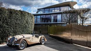 El coche que conducía Michael Douglas, con el mismo aspecto que...