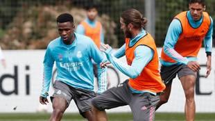 Ramos, en el entrenamiento de ayer en Valdebebas.