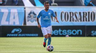 Manu Molina jugando con la UD Ibiza esta temporada.