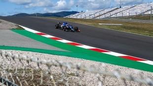 Alonso, con el Alpine A521, en el GP de Portugal 2021.