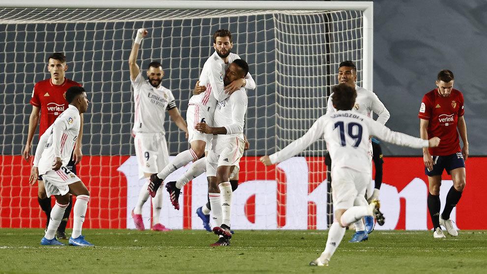 El Madrid cree en el doblete con Militao a la cabeza