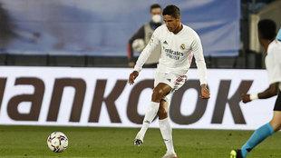 Varane, durante el partido ante Osasuna.