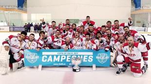 El CH Jaca celebra su 15ª Copa del Rey.