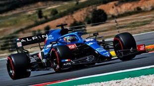 Fernando Alonso, durante la carrera de ayer en Portimao.
