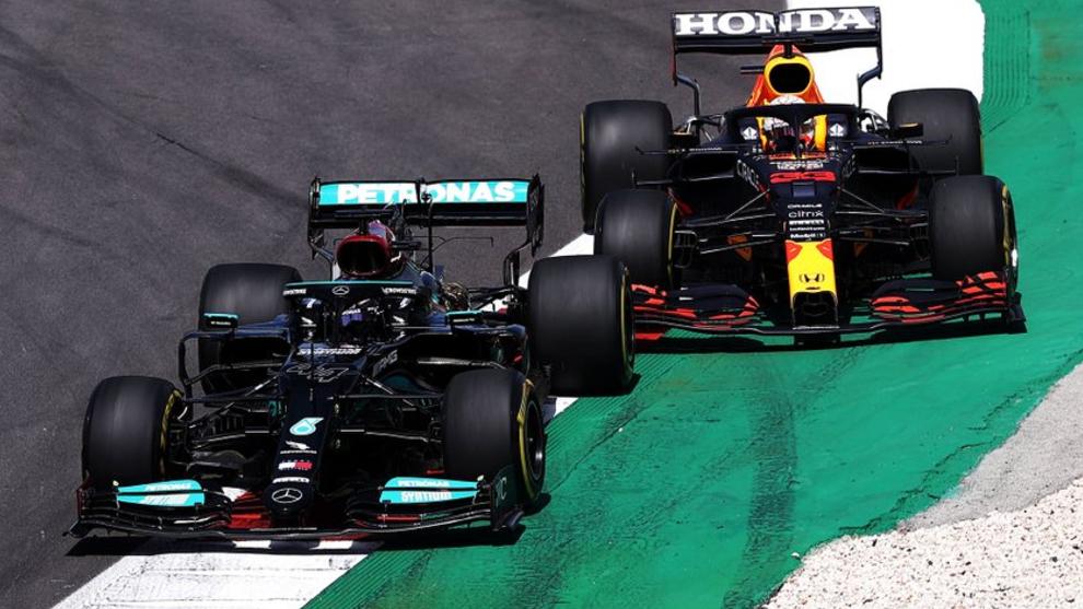 Verstappen, tras la estela de Hamilton.