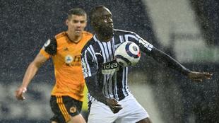 West Bromwich y Wolverhampton empataron a un gol en la jornada 34 de...