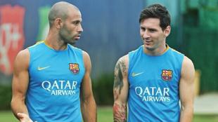 Mascherano jugó con Messi durante varios años en el Barcelona |