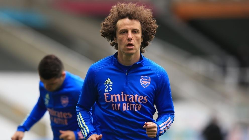David Luiz en un calentamiento previo a un partido del Arsenal.