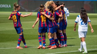 Las jugadoras del Barcelona celebran un gol ante el Granadilla.