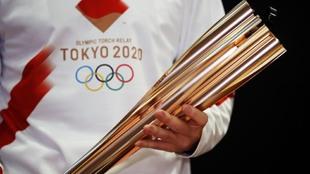 La antorcha olímpica de Tokio 2020.