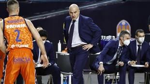 Jaume Ponsarnau, en un partido del Valencia Basket.