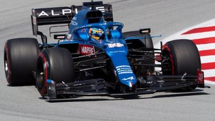 Alonso, durante los Libres 2 del GP de España 2021.