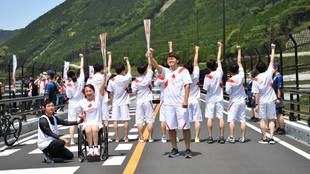 Relevo de la Antorcha Olímpica por Japón