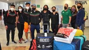 Selección de clavados, a su arribo al Aeropuerto de la Ciudad de...