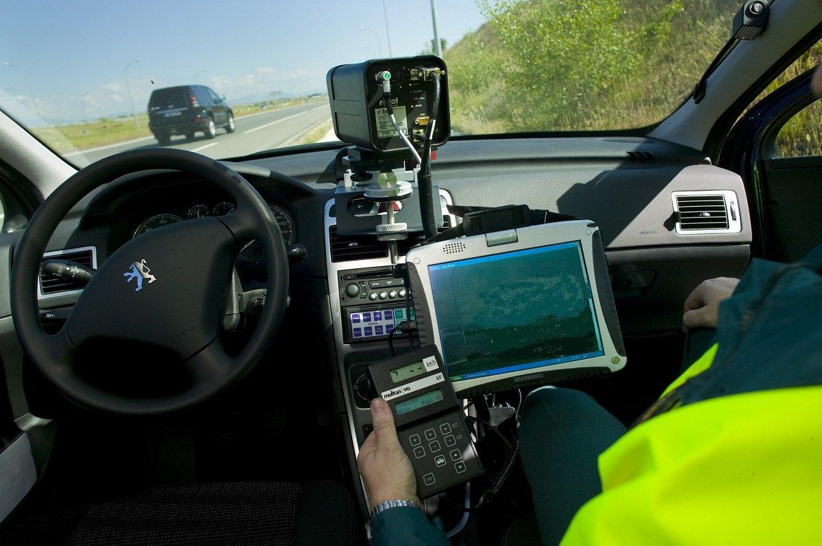 Radar movil camuflado - Control de velocidad - Camara DGT - ITV caducada