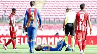 Sergio Busquets, tendido en el suelo