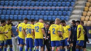 Los jugadores del Cádiz, en un partido.