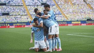 Los jugadores del Celta celebran uno de sus goles al Villarreal