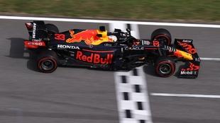 max verstappen termina en segundo lugar en el gran premio de españa