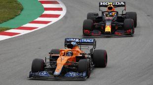 Perez behind Ricciardo in Barcelona.
