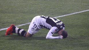Nikola Vukcevic se lamenta durante un partido con el Levante.