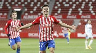 Gaspar Campos celebra el gol de la victoria del Sporting en El...