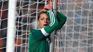 Chicharito Hernández se aleja de la selección mexicana de fútbol