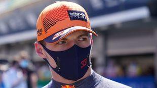 Verstappen habla sobre la posición de Checo Pérez en España.