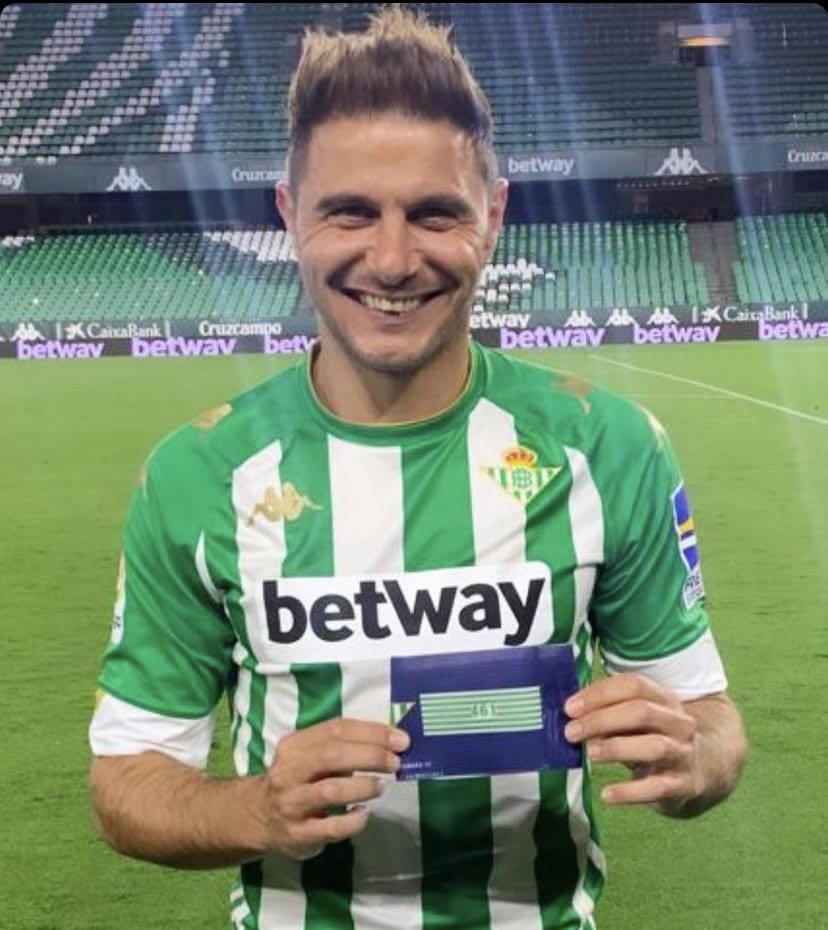 Joaquín, con su brazalete
