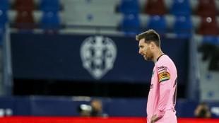 Messi, decepcionado tras el empate final del Levante, que deja al...