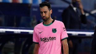 Sergio Busquets, resignado tras empate ante Levante.