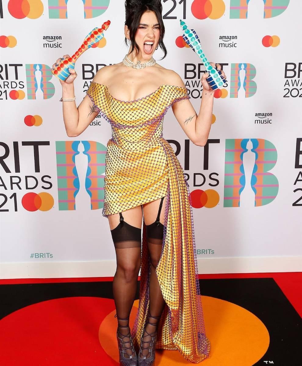 Dua Lipa, triunfadora absoluta de los premios Brit /