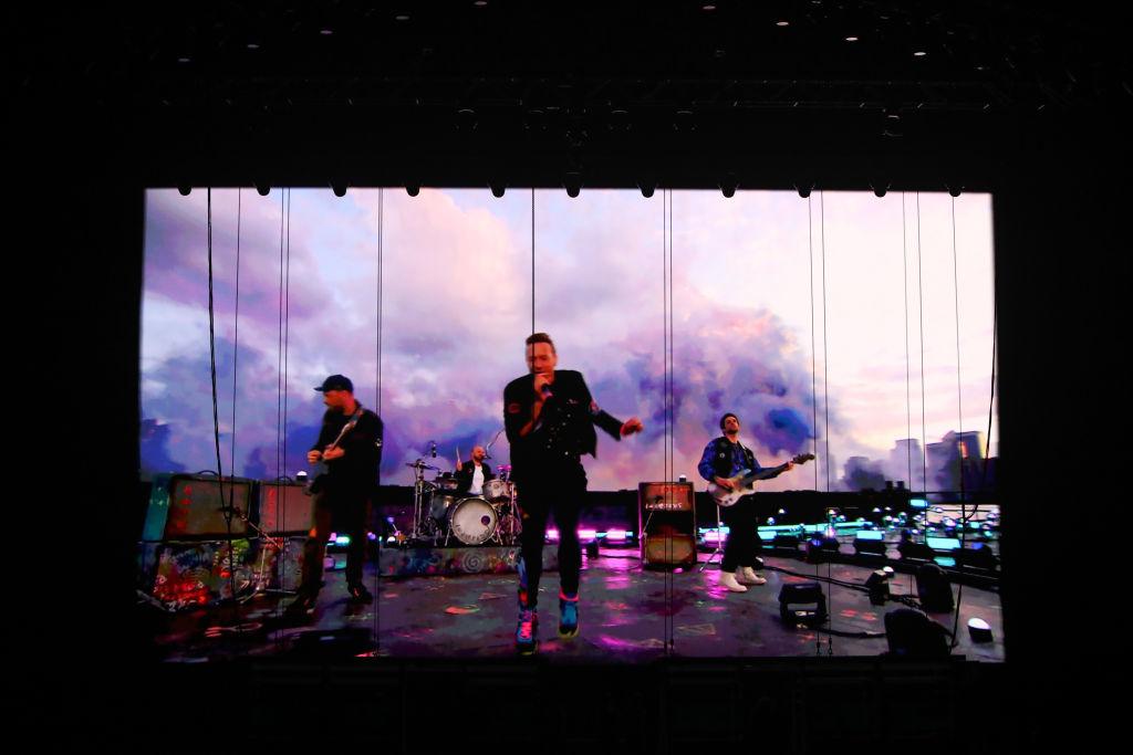 La actuación de Coldplay durante los premios Brit /