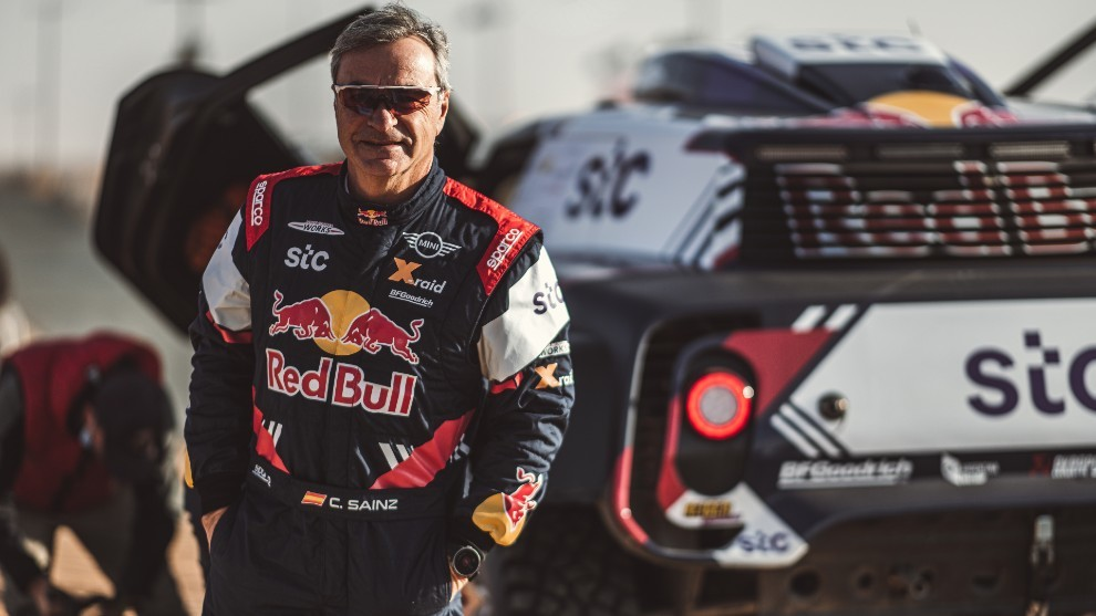 """Carlos Sainz: """"Hay muchas posibilidades de hacer el Dakar 2022 con una nueva marca"""""""