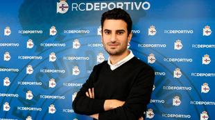 Carlos Rosende posa como nuevo secretario técnico del club coruñés.