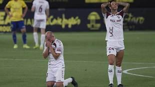 Zozulia y Maikel Mesa se desesperan en el último partido de la pasada...
