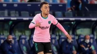 Sergiño Dest, en la lista de señalados del Barcelona