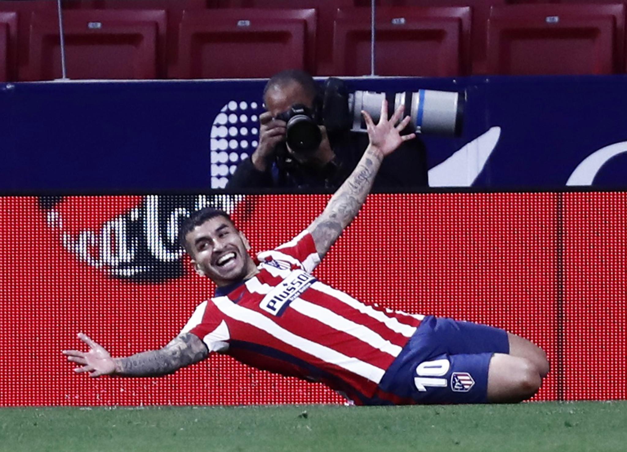 Correa celebra el segundo gol del Atlético