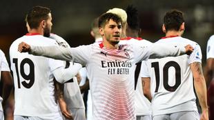 Festejo del Milan en la goleada ante el Torino.