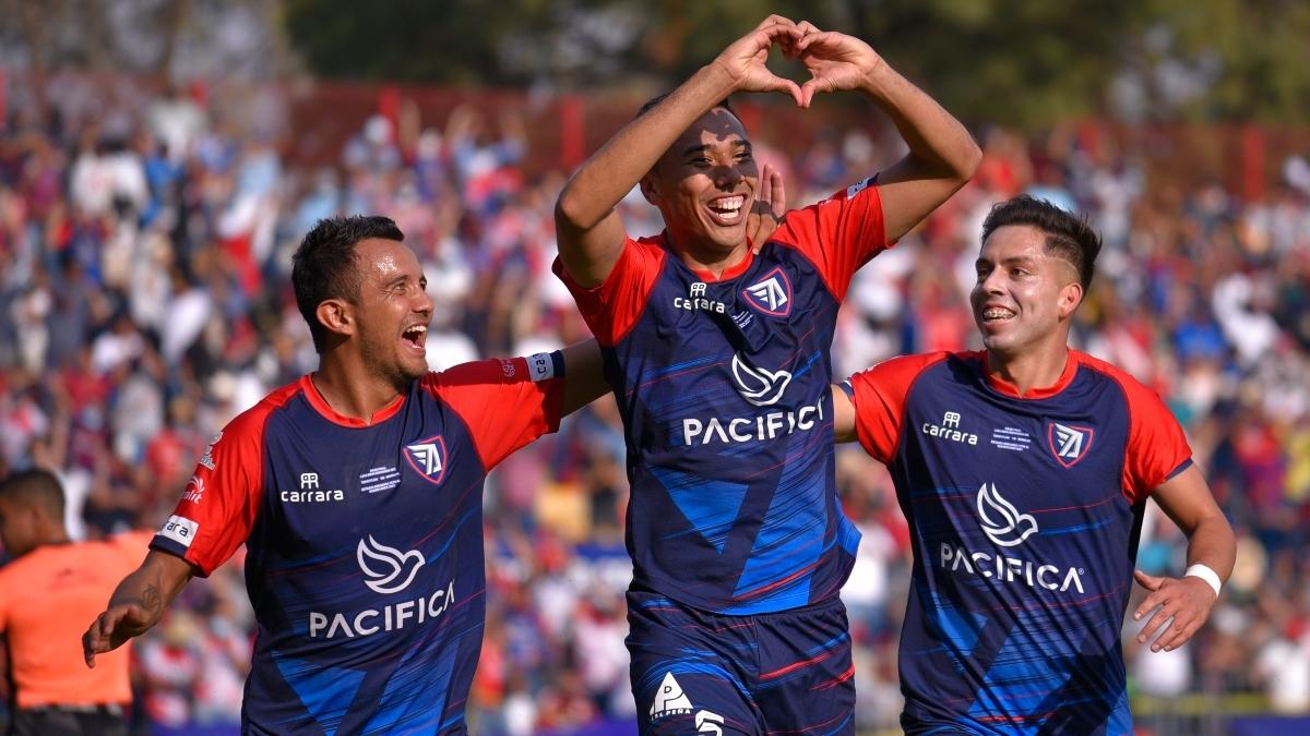 Sergio Ceballos anotó el gol del triunfo.