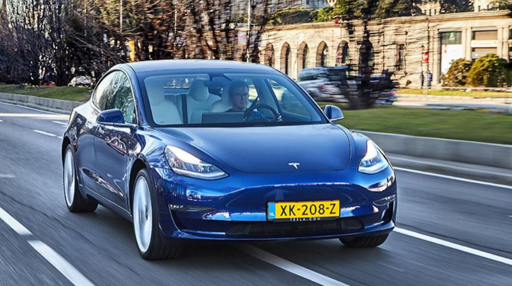 Tesla Model 3, prueba, test drive, coches eléctricos, bitcoin