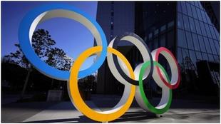 Los aros olímpicos, en Tokio.